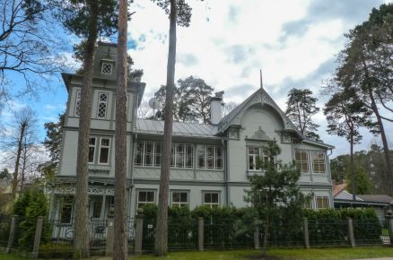 Holzhaus in Jaurmala