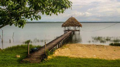 Steg am Lago Petén Itzá