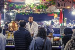 Teeverkäufer in Marrakesch