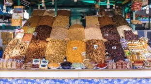 Nüsse, Datteln, Feigen in Marrakesch