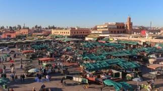 Djeema el Fna wird aufgebaut