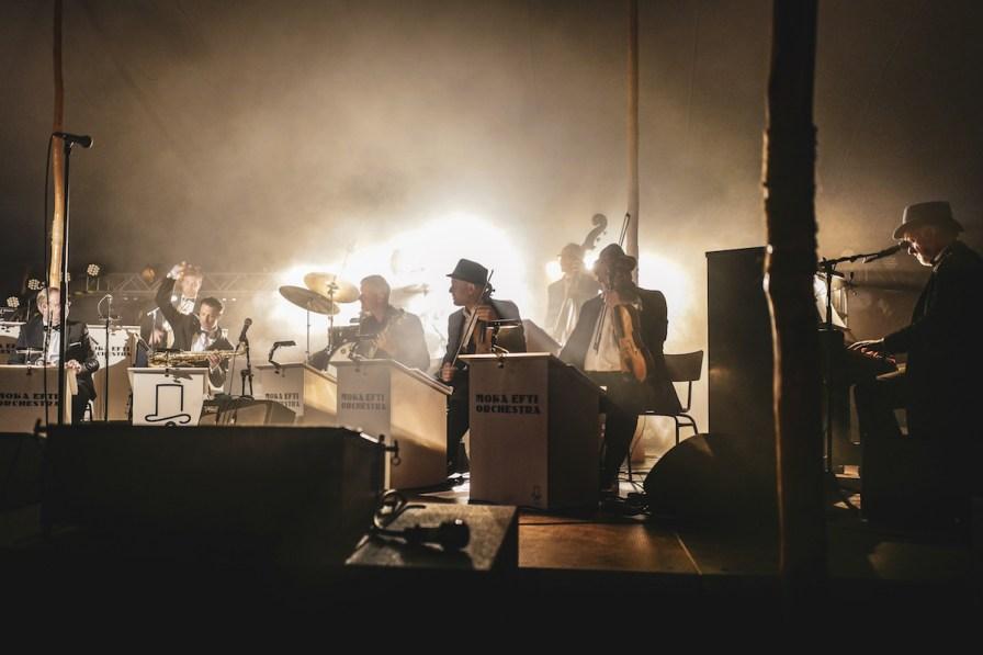 Moka Efti Orchestra live.