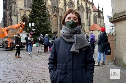 Diana Walbröl von Münster Marketing, die für das Thema Weihnachtstanne verantwortlich sind (Foto: Bührke)