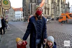 Anne Nutsch, die Spenderin der Tanne, reiste mit ihren Kindern aus Gremmendorf an (Foto: Bührke)