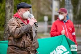 Carsten Peters während der Gegendemonstration (Foto: Bührke)