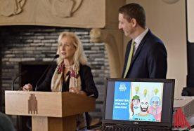 Bernadette Spinnen, Leiterin von Münster-Marketing, und Stadtbaurat Robin Denstorff stellten die Preisträger vor (Foto: Tanja Sollwedel)