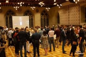 Erst nach 21 Uhr wurde es etwas voller im Rathausfestsaal.(Foto: Stephan Günther)