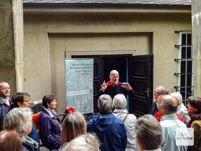 Sharon Fehr klärte über jüdische Bestattungsriten auf. (Foto: Ralf Clausen)