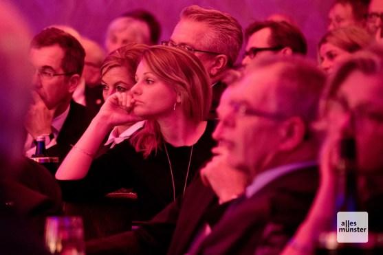 Aufmerksam folgten die Zuhörer den Berichten von Bernd Eggenstein (Foto: Michael Bührke)