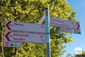 Die Radwegeausschilderung ist im Münsterland wirklich vorbildlich. (Foto: Michael Bührke)