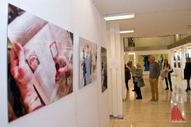 Die Fotoausstellung in der Bezirksregierung ist überaus sehenswert. (Foto: Michael Bührke)