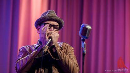 Gerd Gorke mit seiner berühmten Mundharmonika. (Foto: wf / Weber)