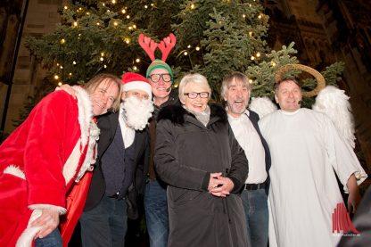 Bürgermeisterin Karin Reismann eröffnete mit Verstärkung durch die 6-Zylinder Münsters Weihnachtsmärkte. (Foto: Michael Bührke)