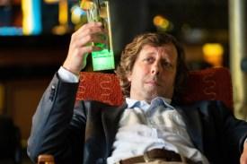 Nach einigen Drinks bei seinem Blind Date fühlt sich Ekki (Oliver Korittke) mehr als schwummrig.