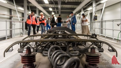 Zwei Stromabnehmer ziehen 15.000 Volt aus den Oberleitungen und versorgen den gesamten Zug der NX. (Foto: wf / Weber)