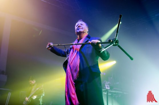 simple_minds_2015_th-1