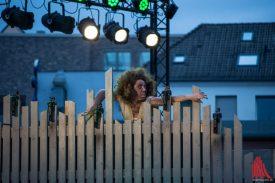 Tatjana Poloczek als Caliban (Foto: Thomas Hölscher)