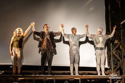 """""""Trip Over"""" von Theater Titanick (Foto: Thomas Hölscher)"""