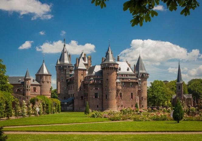 Kasteel de Haar - TOP 10 MOST BEAUTIFUL CASTLES IN THE NETHERLANDS