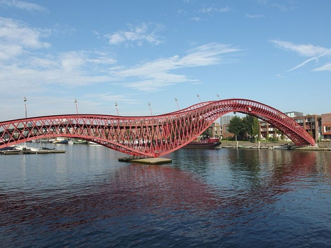 pythonbrug - TOP 10 MOST FAMOUS BRIDGES IN THE NETHERLANDS