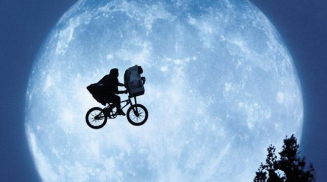 E.T. the Extra Terrestrial1 - TOP 10 Family Movies To Watch With The Entire Family