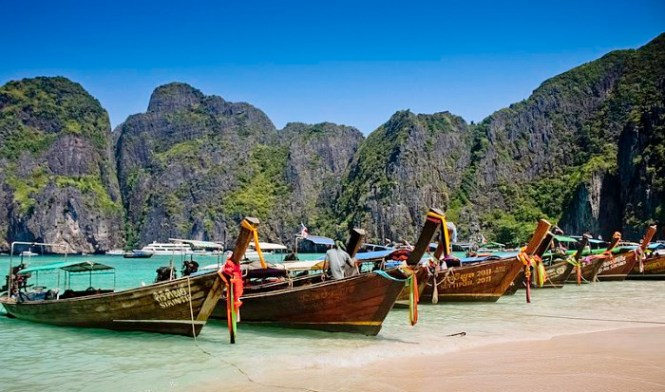 Phi Phi Lee - TOP 10 MOST BEAUTIFUL ISLANDS IN THAILAND