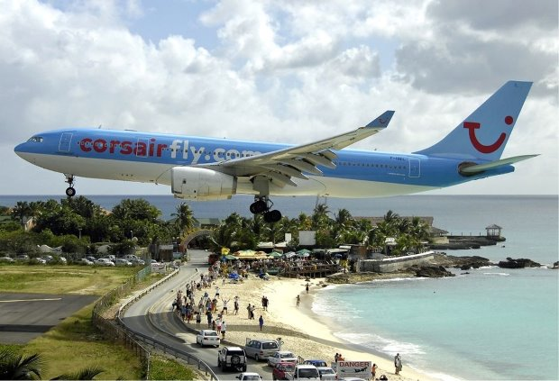 Princess Juliana International Airport - TOP 10 MOST EXTREME AIRPORTS IN THE WORLD