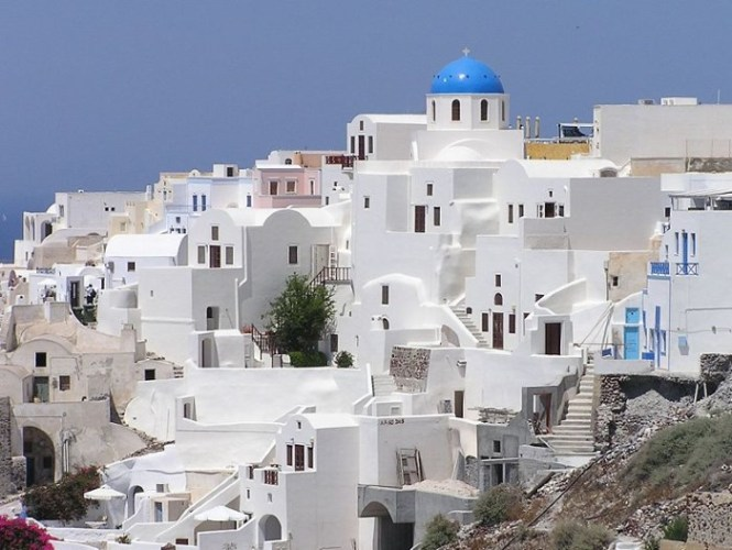 Santorini2 - TOP 10 MOST BEAUTIFUL GREEK ISLANDS
