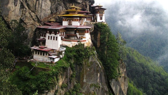 Taktsang 2 - TOP 10 MOST BEAUTIFUL MONASTERIES IN THE WORLD