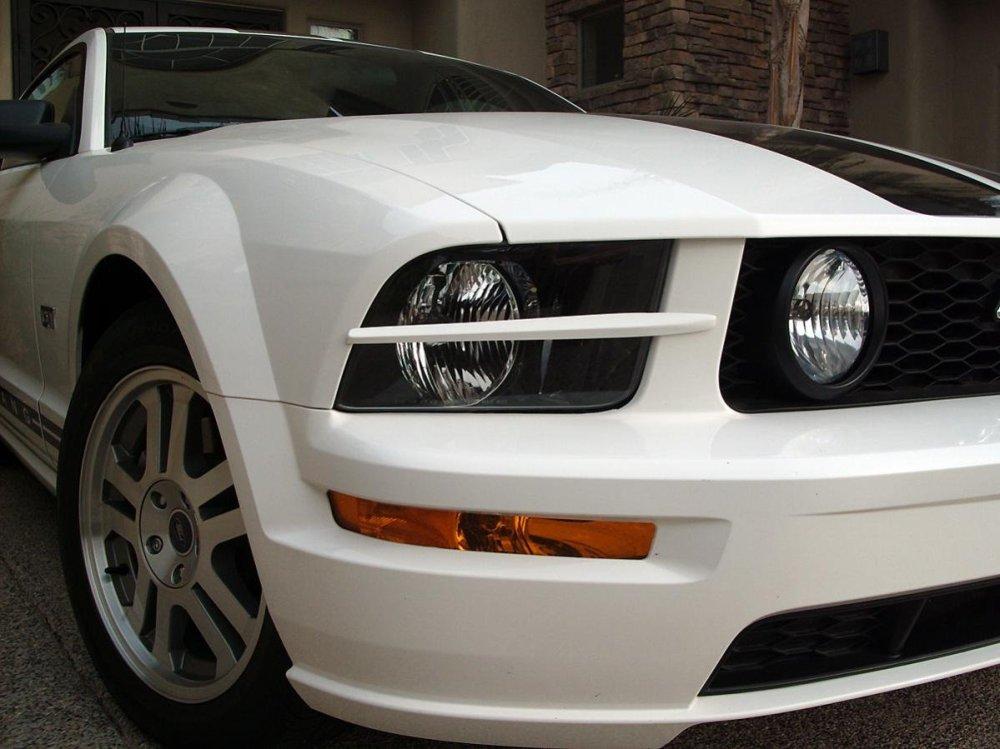 medium resolution of gedc0590 jpg headlight splitters on white 2005 mustang gt