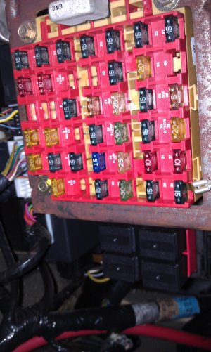 Unidentified relays near the fuse box in 1999 Mustang