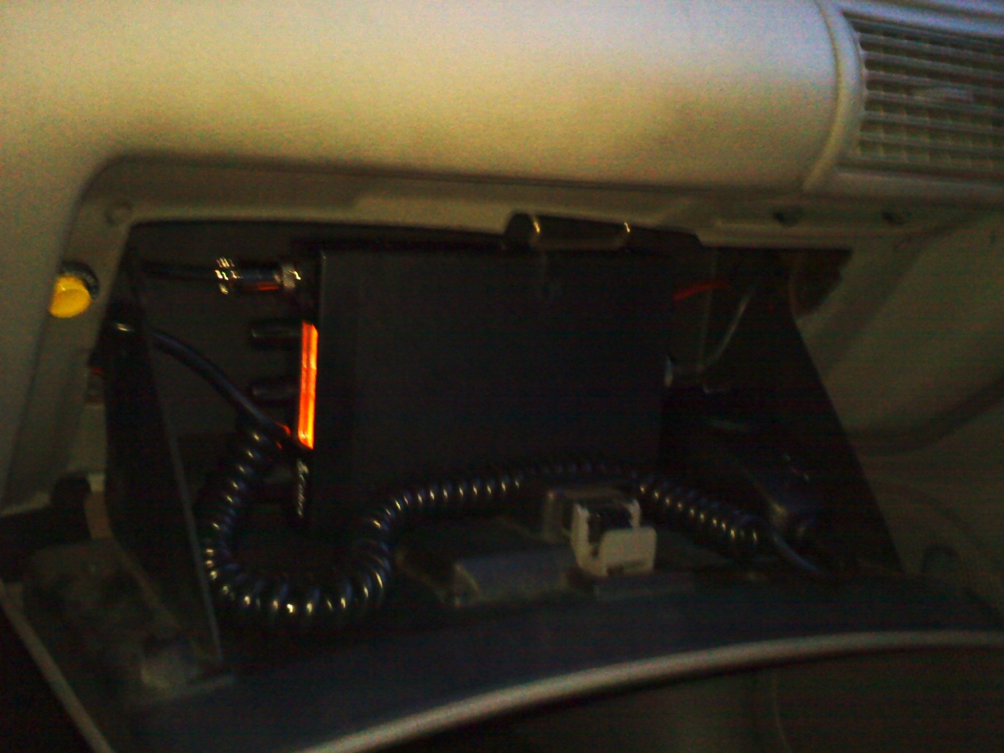 hight resolution of 2000 mustang cb radio fuse box touble ford mustang forum 2000 mustang fuse box under dash