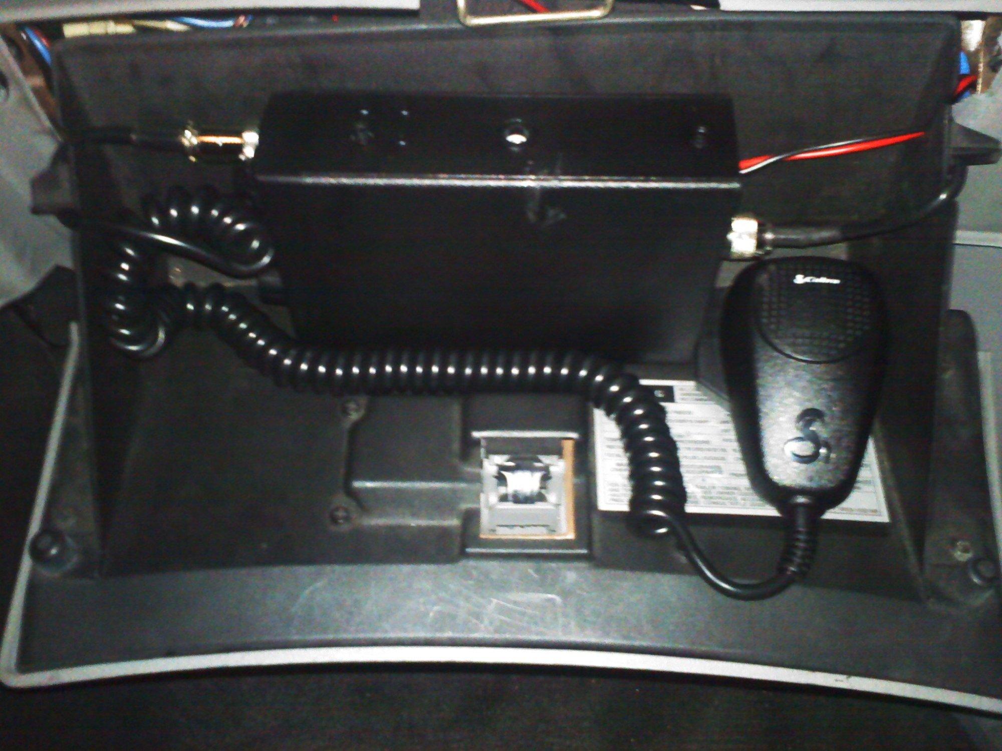 hight resolution of 2000 mustang cb radio fuse box touble cb radio mount jpg