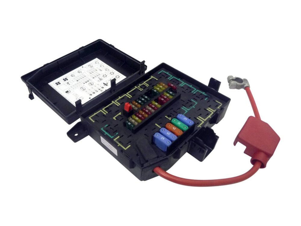 medium resolution of  fuse box assembly suitable for range rover p38 v8 1995 1998 new genuine amr6405