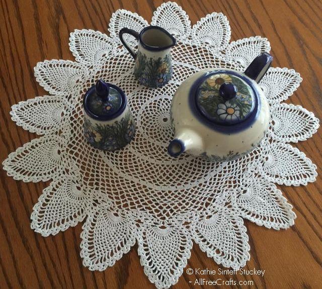 Centerpiece pattern, size 5 hook, size 10 modern crochet thread.