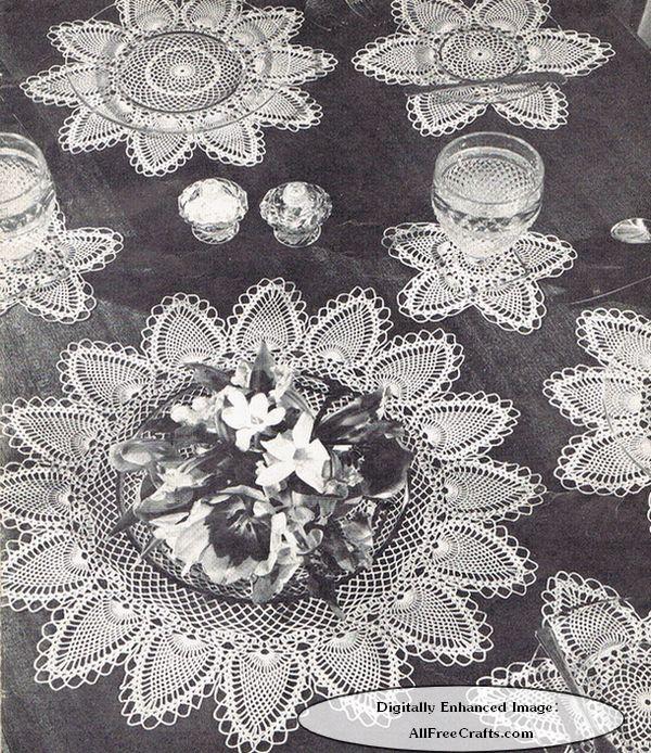 crocheted pineapple luncheon set