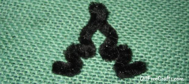 chenille stem bat feet