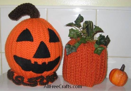 two crochet pumpkins variations