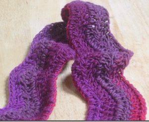 ripple wave scarf closeup