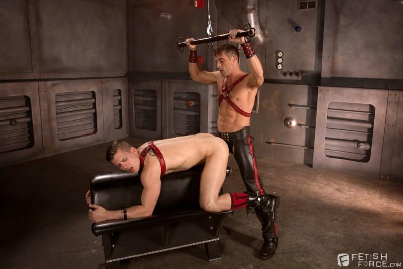 Lance Hart Drills His Pig Puppy 01