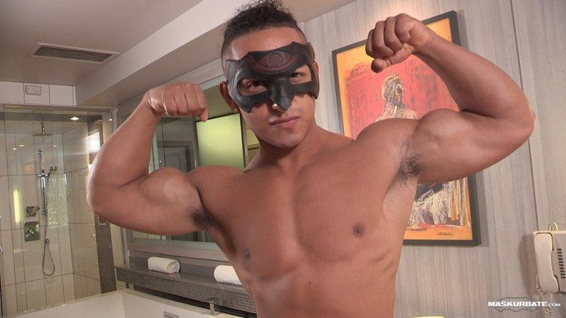 Bodybuilder James Jerks His Big Uncut Cock 04