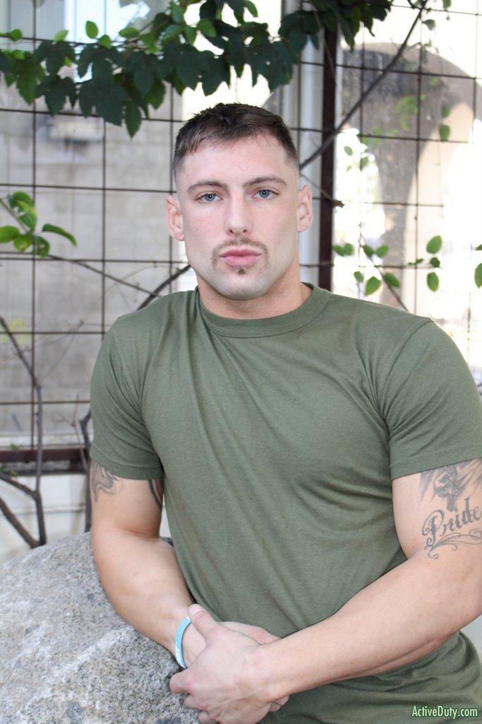 Tattooed Hunk Calvin Jerks off 03