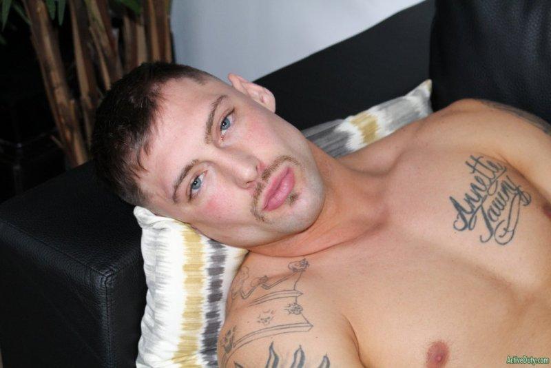 Tattooed Hunk Calvin Jerks off 10