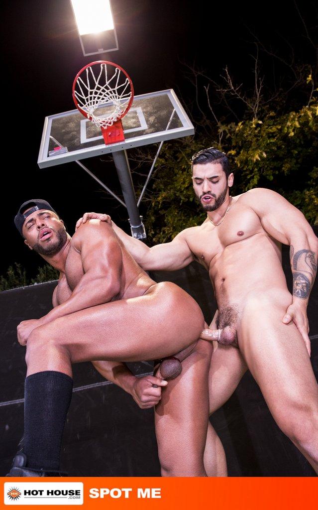 Arad Winwin Bangs Micah Brandt Outdoor 02