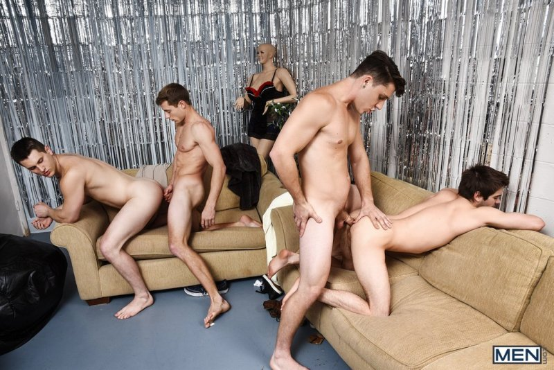 Paul Canon In Naked Frat House 14