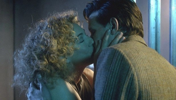 river-song-eleven-kiss