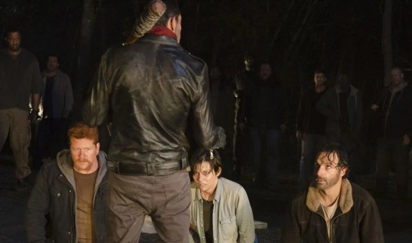 the-walking-dead-episode-616-negan-morgan-rick-lincoln-lucille-bat-skinny-butt