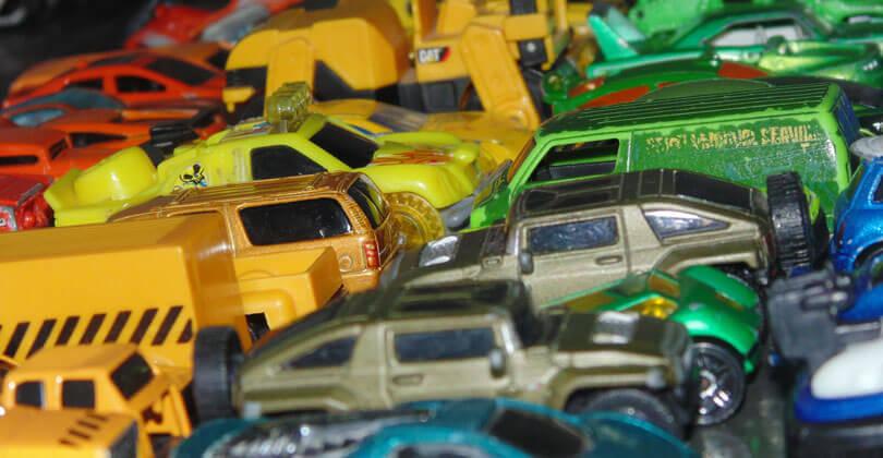 Autonom einparkende Autos streiten sich um Parkplatz