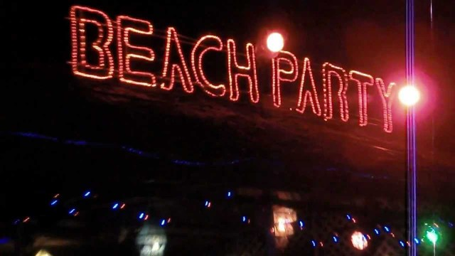 Beach Party - Phi Phi Tour