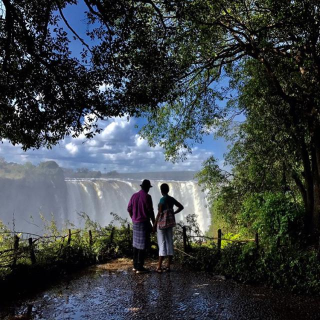 Why victoria falls most beautiful places in the world for for Most beautiful places to honeymoon